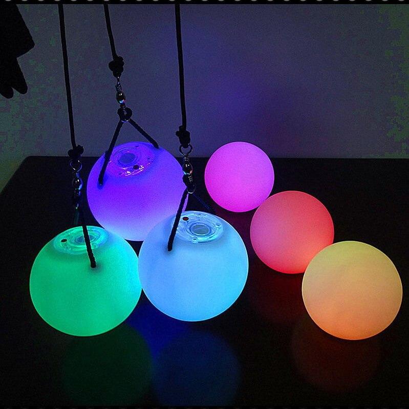 2 gab Belly Dance Balls RGB Glow Stage Performance LED POI izmetamas bumbas vēderdeju līmeņa roku paliktņiem aksesuāriem