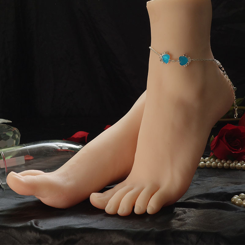 New Free shipping 1pair Women s Realistic Silicone Lifelike Soft Foot Mannequin Display Shoes Socks Manicure