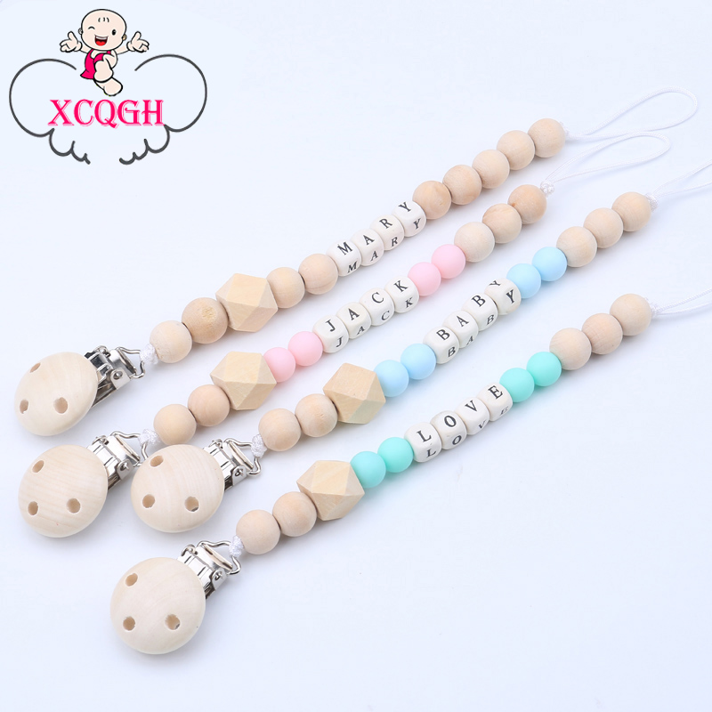 Personligt namn Wooden Pacifier Clips Ej giftiga Soother Clips Baby Pacifier Hållare Tändsticks Attache Sucette Dummy Clip