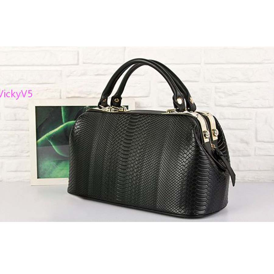 2013 New Fashion Retro European Crocodile Pattern Women Leather Handbag Shoulder Purse Tote OL Noble Doctor Bag VY 16747 yuanyu new 2017 new hot free shipping crocodile women handbag single shoulder bag thailand crocodile leather bag shell package