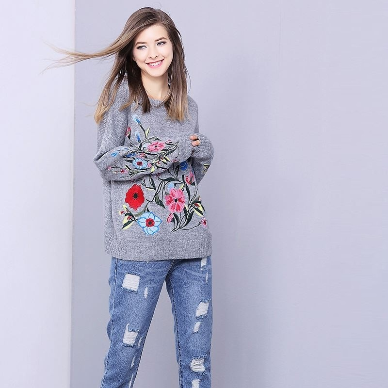 Hchenli 2018 Women Grey Flower embroidery Sweater Knitwear Lady Contrast Color Pullover Butterfly Sweatersuit Casual Womens Suit