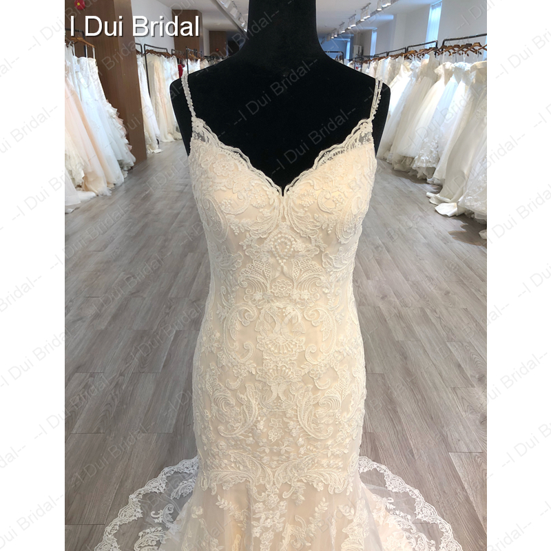 Image 4 - Spaghetti Strap Detachable Tulle Skirt Wedding Dress Lace Appliqued Bridal Gown-in Wedding Dresses from Weddings & Events