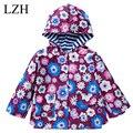 LZH 2017 Primavera Otoño Niños Chaqueta Flores Impresión Impermeable Escudo Niños prendas de Abrigo Caliente Chaqueta Para Chicas Ropa de Abrigo Bebé
