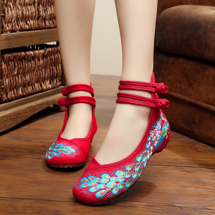 Catching 2017  Old Beijing Embroidered Women Shoes Mary Jane Flat Heel Denim Chinese Style Casual Cloth Plus Size Shoes Woman peacock embroidery women shoes old peking mary jane flat heel denim flats soft sole women dance casual shoes height increase