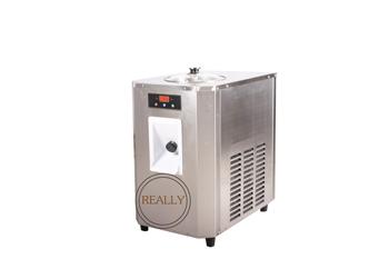 MINI 15L pojemność handlowa handlowa maszyna do lodów świderków twardy maszyna do lodów lody maszyna do produkcji tanie i dobre opinie 500 ml Własny chłodzenia RL-7115-TL 15L H NoEnName_Null 1350w taylor commercial hard ice cream machine for sale 220v 50hz
