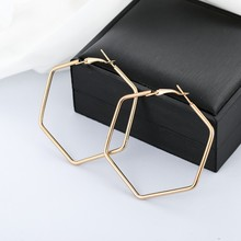 YANG&RH Punk Fashion Jewelry Smooth Hexagon Big Hoop Earrings For Women Lady Large Geometric Hollow Statement Loop Earring Gifts