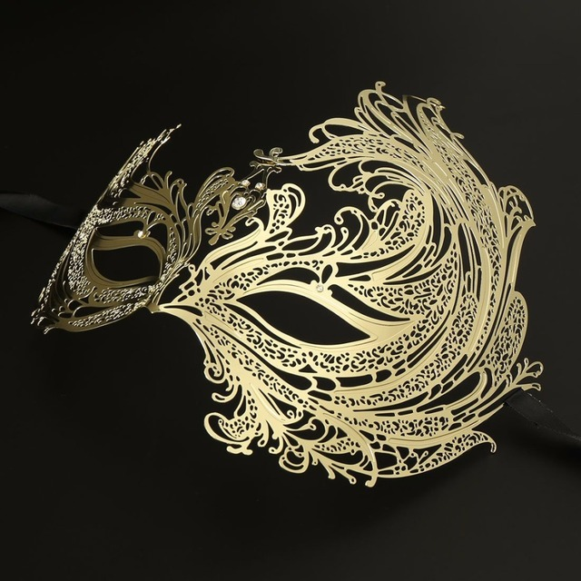 HLC Beautiful Luxury Golden Metal Masquerade Masks for Woman Prom Party  masks 342dcd0d747d