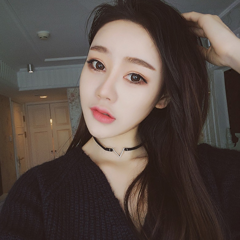 Fashion V Shape Chokers Necklace Torques Summer Punk Style Black Short Velvet Collar Necklaces For Women Collares Collier Femme in Choker Necklaces from Jewelry Accessories