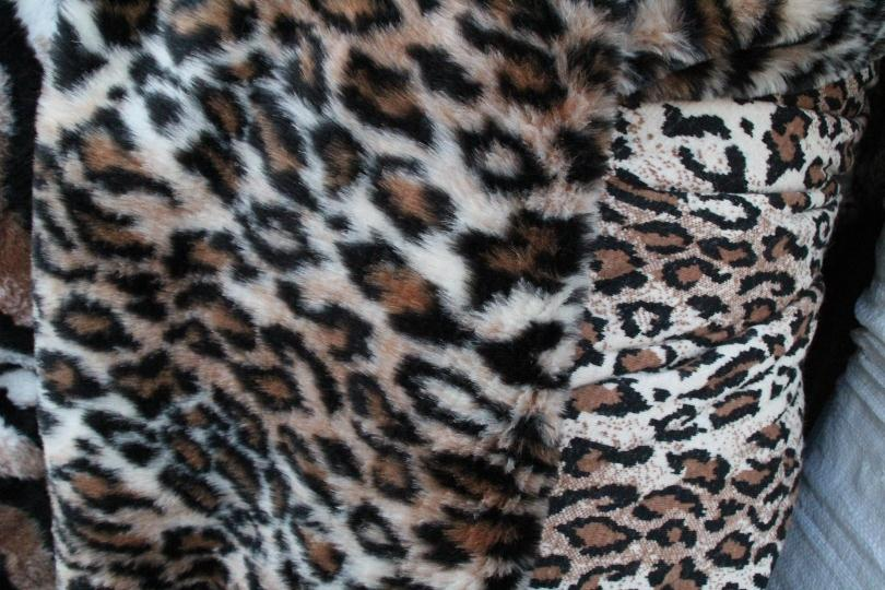 Tiger Striped Faux Fur Fabric Bronze and Black Long Pile Fake Fur Fabric 2 cm pile Sewing Fabric Synthetic Fur Fake Fur