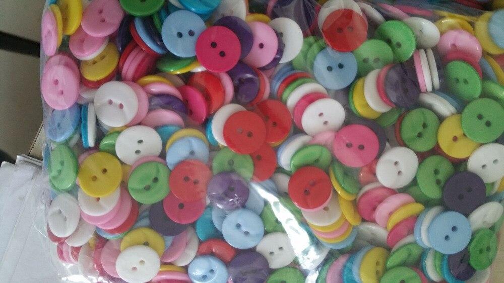 7c13a22a1 600 pçs lote Mista Botões De Plástico para Crianças Roupas Botões de Resina  Decorações Mix 15mm P0063