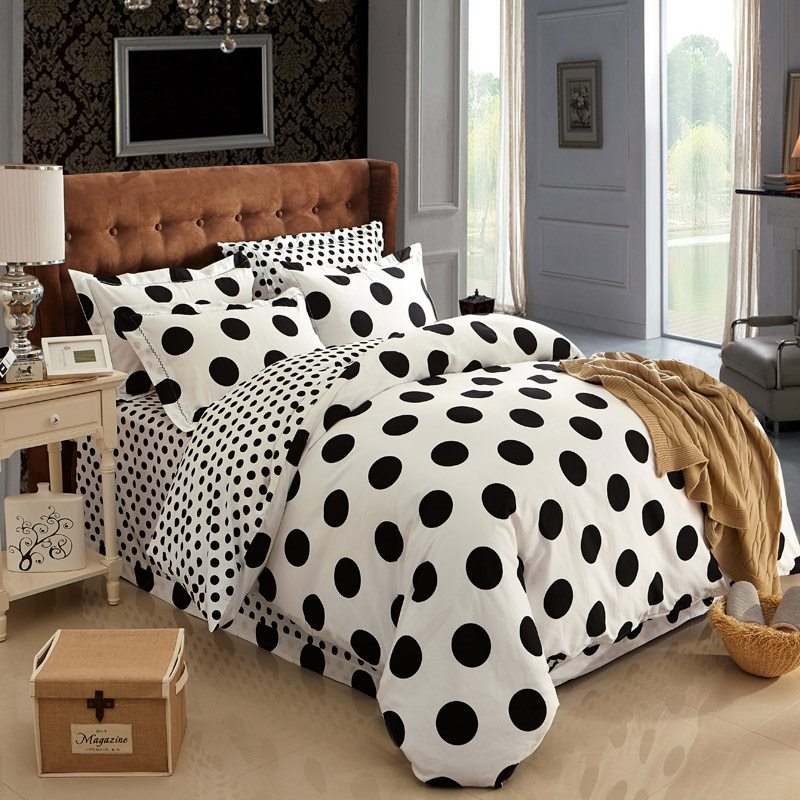Black and White Polka Dots Comforter Set