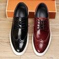 Planos ocasionales de Los Hombres Zapatos de Cuero Genuino 2017 Nuevo Estilo de Los Hombres de Oxford Zapatos de Marca de La Vendimia Tallada Brogue Zapatos Mocasines Zapatos Hombre