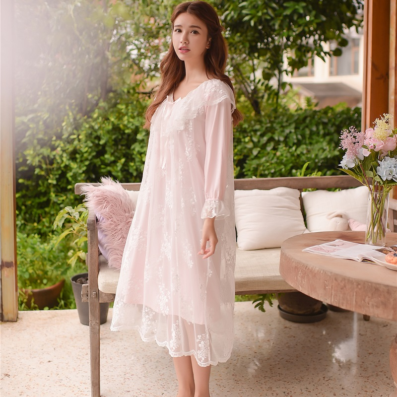 Autumn Sweet White Lace Long Sleepwear Round Neck Pink And Light Blue  Vintage Cotton Princess Nightwear Spring 8002 6b2f8e153