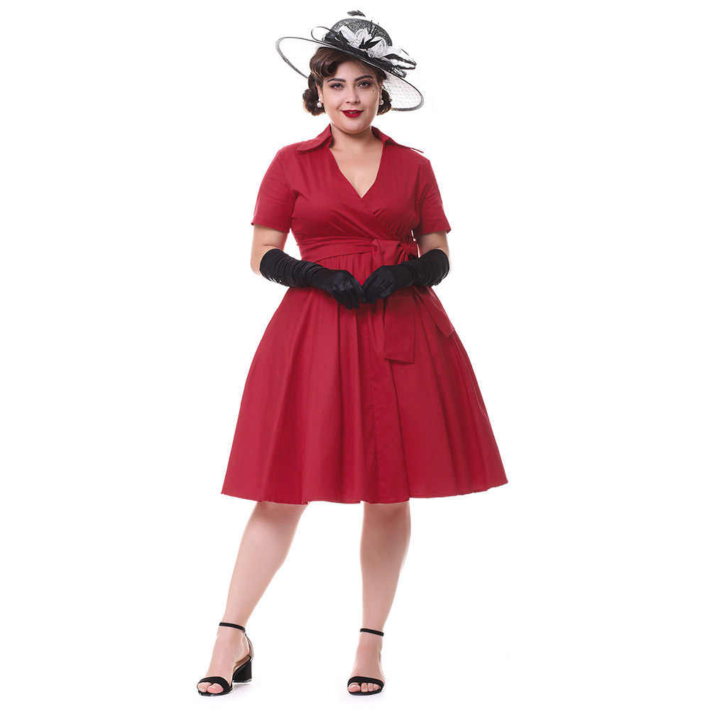 У баб под платьем подняла платье — 3