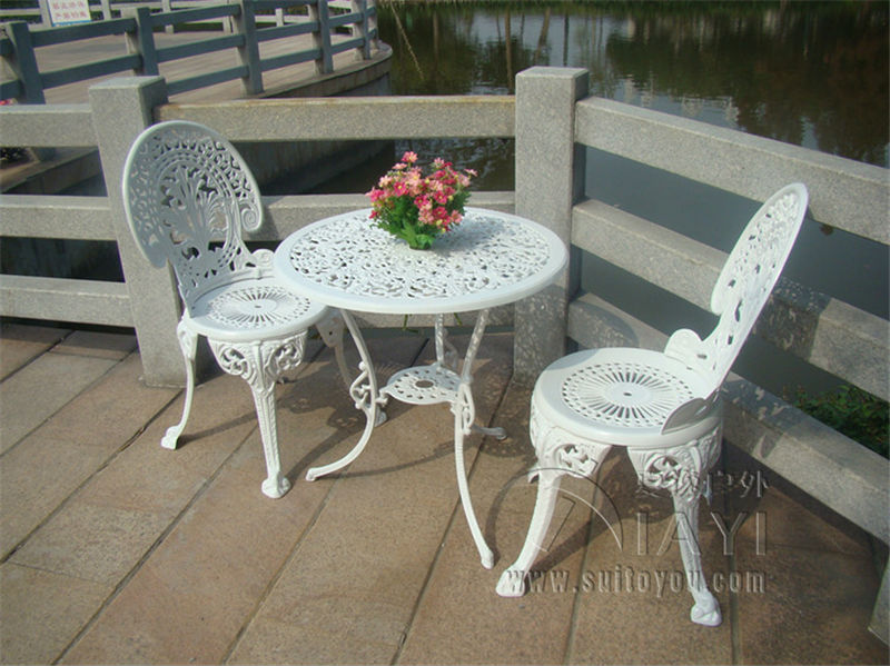 cast aluminium garden furniture set table and 2 chairs victorian style