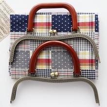 Portmonetka ramki torebka metalowa rama pocałunek zapięcie DIY torba sprzęgła akcesoria szycia torebka uchwyt torebka rama z drewnianą rączką tanie tanio 200g purse frame Rafarad