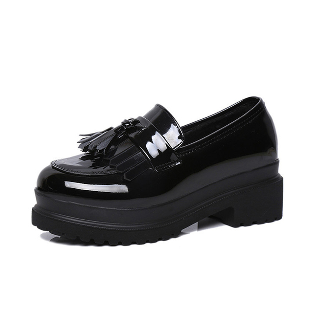 Autumn Women's Shoes New Patent Leather Round Shoes Retro British Style Tassels Thick Sole Muffin Bottom Zapatillas Deportivas