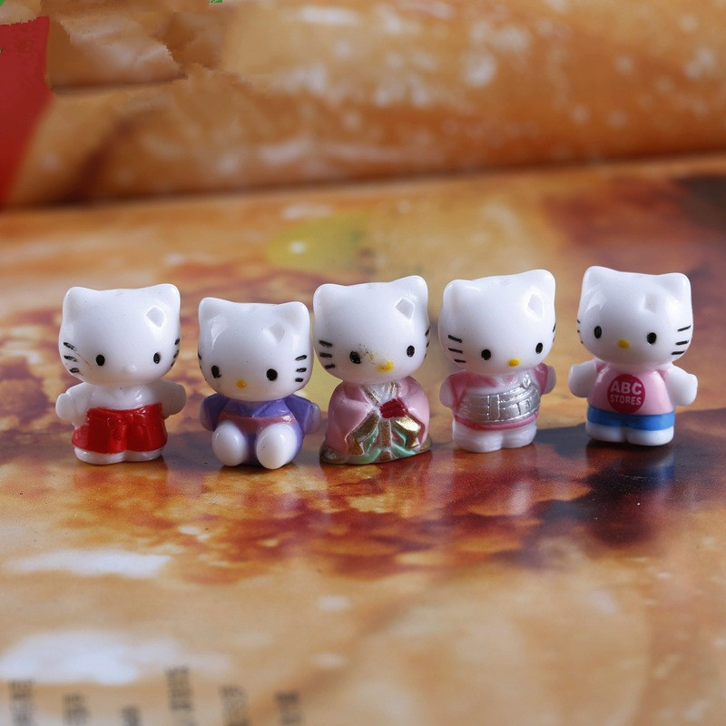Free Shipping 20mm 1PC Hello Kitty Cat Mini Toys Cute Cartoon Figure Micro Landscape Decorations