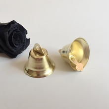 26 мм 100 шт./упак. светло-Золотые цветные металлические колокольчики подходят для фестиваля и рождества украшения поставки Подвески Ювелирных изделий