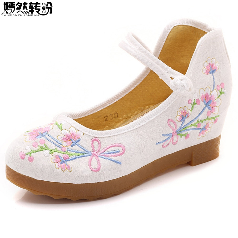 Vintage Women Shoes Chinese National Flower Embroidered Woman Pumps Causal Wedges Shoes For Cheongsam Dance Pumps