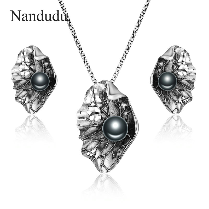 Nandudu Fashion Withered Leaves Necklace Earrings Jewelry Sets for Women Big Black Pearl Antique Retro Style Jewelry Gift CN437