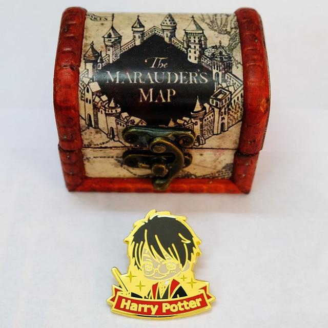 Металлические брошки Гарри Поттер в подарочной коробке 2
