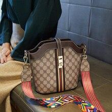 цены на 2019 Straight women Bag Canvas Printed Bucket Simple Slant Single Shoulder handbag crossbody bags pu leather handbags messenger  в интернет-магазинах