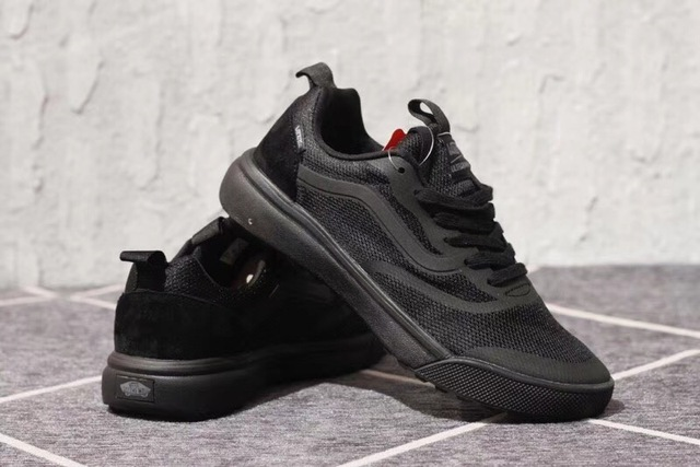 fd12aa864479 VANS UltraRange Rapidweld 18 Summer ventilation net Men s Sneakers Full Black  Color Sports shoes Weight lifting shoes Eur 40-44