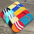 Primavera quente de Verão Novo Design de Moda Rainbow Color Listrado Homens Barco Meias invisíveis Meias Low Cut Causal Masculino Atacado L3