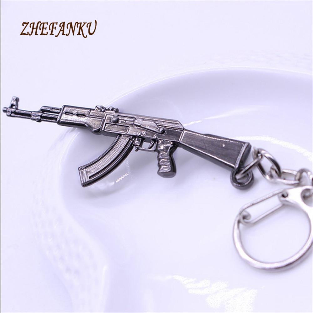 2017 Hot Game Pendant Keyrings  Weapon Model Metal Keychain  Pop Game  Fire Gun Key Chains