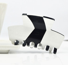 1pc New Causal Plastic Bicolor Black and White Small Hair Claw Leopard Print Hair Claw Clip Clamp Plastic Hair LD1003