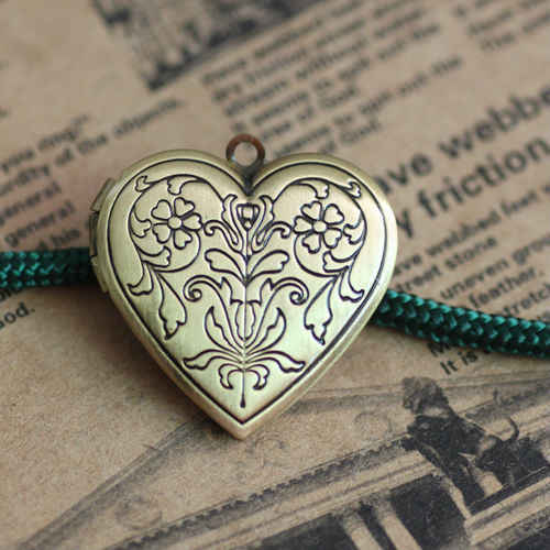 2pcs Wholesale ANTIQUE BRONZE 20mm Heart-Shaped Photo Locket Frame  Charm&Pendant Findings for Necklace Jewelry Making