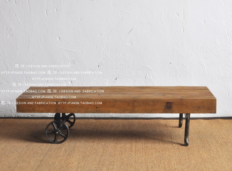 LOFT American country to do the old industrial style retro old wooden cast iron wheel scooters engraved coffee table