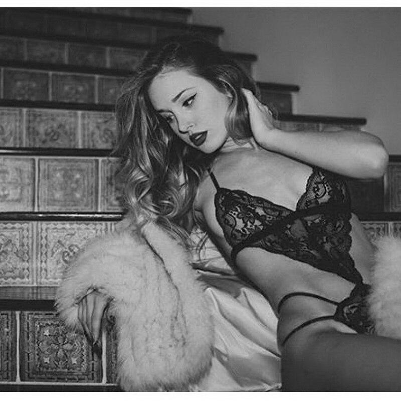 2019 New Sexy Women Bra Set Lace Deep V Erotic Underwear Lingerie Set Solid Color Bra Sets 2