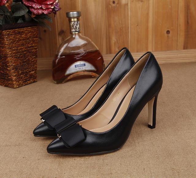 2016 Novas Mulheres Genuínas sapatos de Couro Sapatos de Salto Alto Mulheres Bombas Dedo Apontado Arco Sapatos de Casamento Projeto DA010
