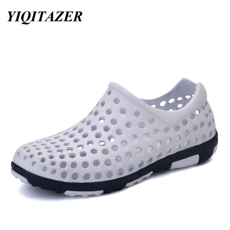 YIQITAZER 2017 Նոր հայտնի ապրանքանիշի պատահական տղամարդիկ սանդալներ թեթև, նորաձևություն Slipon ամառային սանդալ լողափ կոշիկներ տղամարդու ջրային կոշիկներ