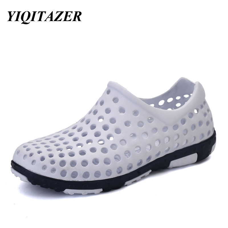 YIQITAZER 2017 Νέο διάσημο εμπορικό σήμα casual άνδρες σανδάλια φως, μόδα slipon καλοκαίρι δροσερό παπούτσια Sandal παραλία άνδρες παπούτσια νερό