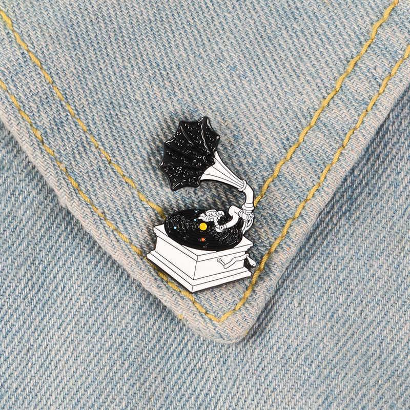 Звездный фонограф черная галактика космическая Вселенная музыкальный плеер брошь граммофон значок Эмаль Булавка модная Ювелирная одежда булавка