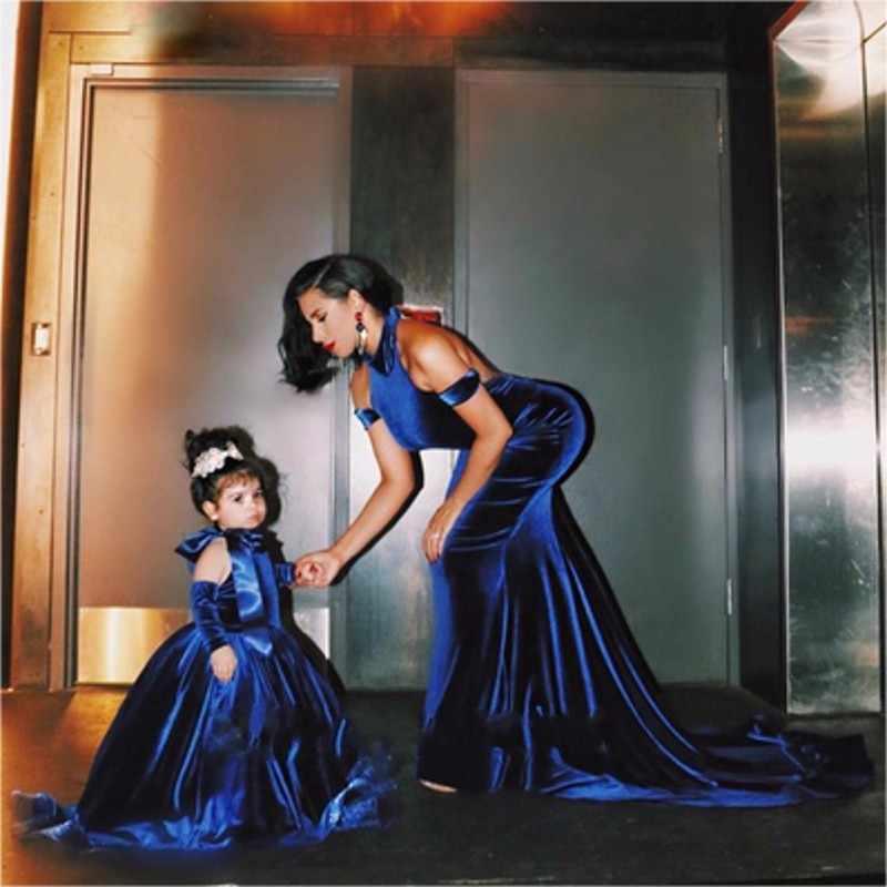 שמלת בת ללא משענת כדור שמלת קטיפה פרח בנות שמלת 2019 כבוי כתף הלטר רויאל בלו ארוך Vestidos