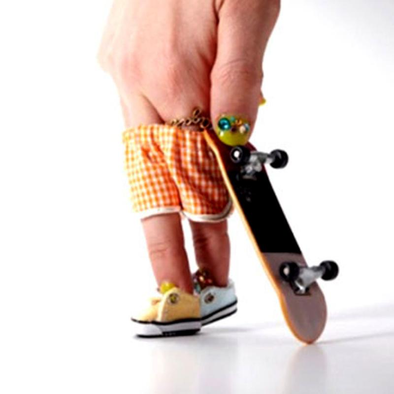 Finger Skateboard Deck ABS Plastic Children puzzle Brain DevelopmentMini Board Tech Boys Games Toy Gift Present