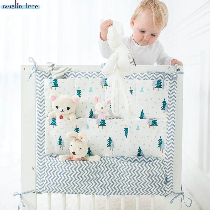 Muslin Tree Bed Hengende Oppbevaringspose Baby Cot Bed Merk Baby Cotton Crib Organizer 50 * 60cm Toy Bleie Lomme til Crib Sengetøy Set