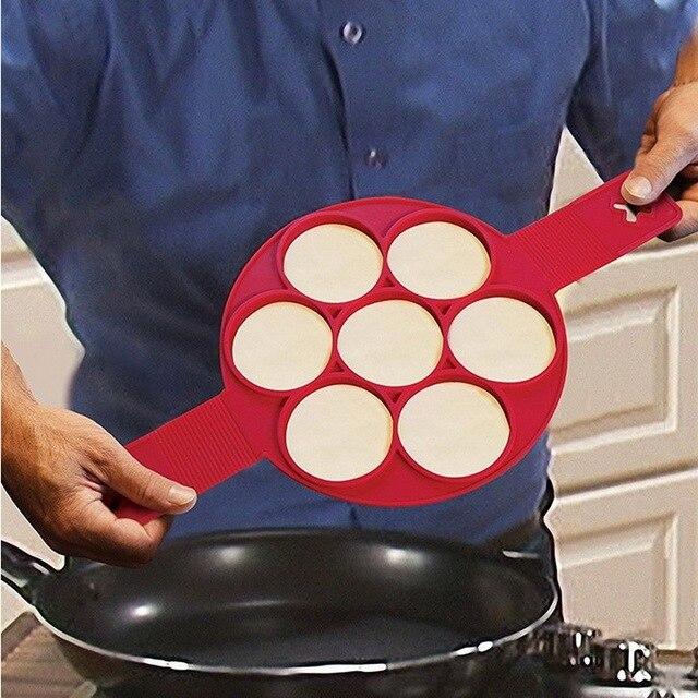 Vibrazione Pancake Colazione Maker Creativo Antiaderente Pan Frittata di Uova Strumenti di Muffa Della Torta Del Silicone Con Sette Fori Uovo Strumento Hot vendita