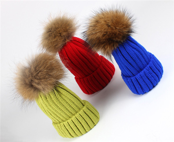 157acb63d10 Womens Girls Winter Fur Hat Real Large Raccoon Fur Pom Pom Beanie Winter  Hats detachable hair bulb-in Skullies   Beanies from Apparel Accessories on  ...