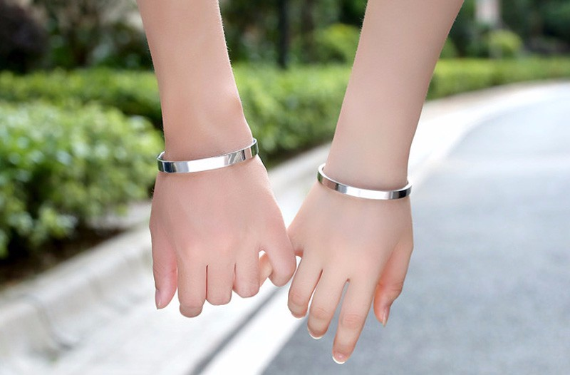 Luxury Lover Cuff Bracelets&Bangles Top Silver Color Brand Couples Simple Glaze Buckle Love Charm Bracelet For Women Or Men 4
