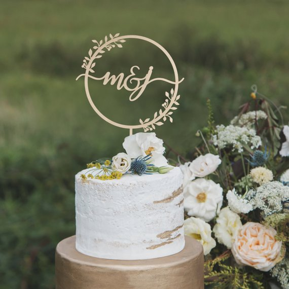 Custom Monogram Wedding Cake Topper Personalized Wooden Rustic Wedding Wreath Mr & Mrs Cake Topper Party Supplies