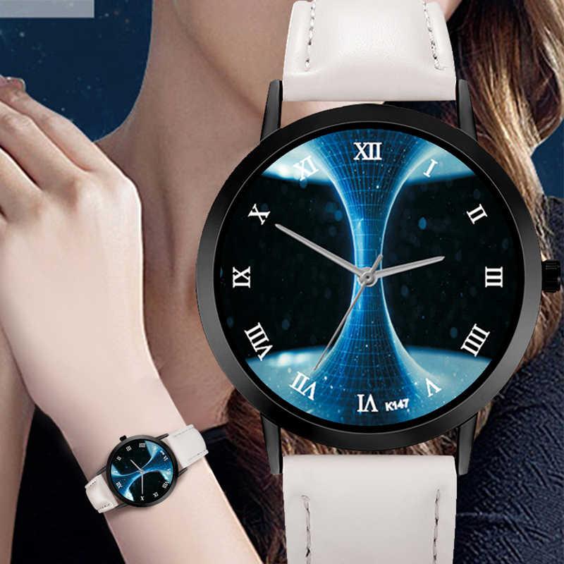 異質宇宙の時計カジュアルクォーツレザーストラップ天文学惑星ユニセックス上品クリエイティブアナログ腕時計モンタフェム