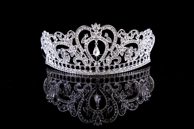 HTB14xYQLXXXXXa8aXXXq6xXFXXX6 Glamorous Wedding Pageant Prom Rhinestone Crystal Crown For Women - 5 Colors