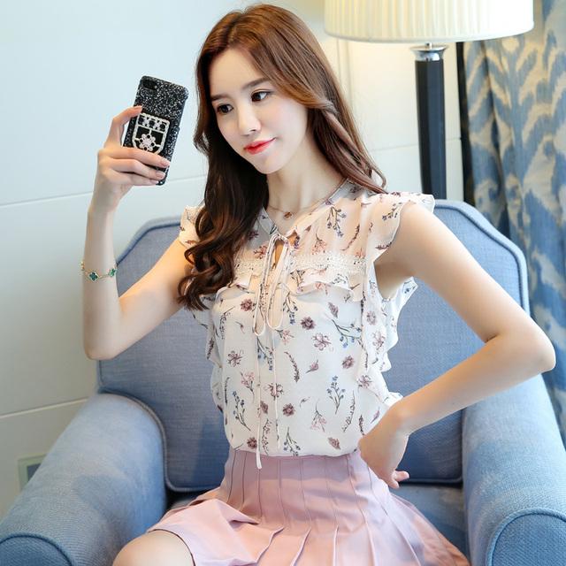 2018 women clothing new summer chiffon sleeveless women blouses casual sweet lady fashion bow white print blouses 0111 30