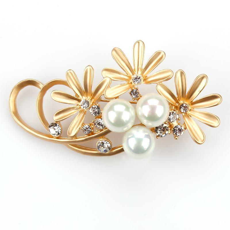 Factory Direct Sale Floral Metal Brooches for Women with Simulated Pearls in matte gold or silver plating
