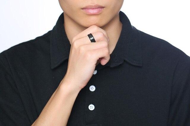 кольцо мужское из нержавеющей стали с фианитом 8 мм фотография